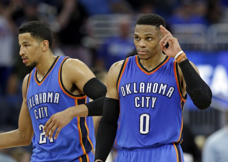 NBA》魏少這顆追平三分 讓敵隊球迷高喊「MVP」(影音)