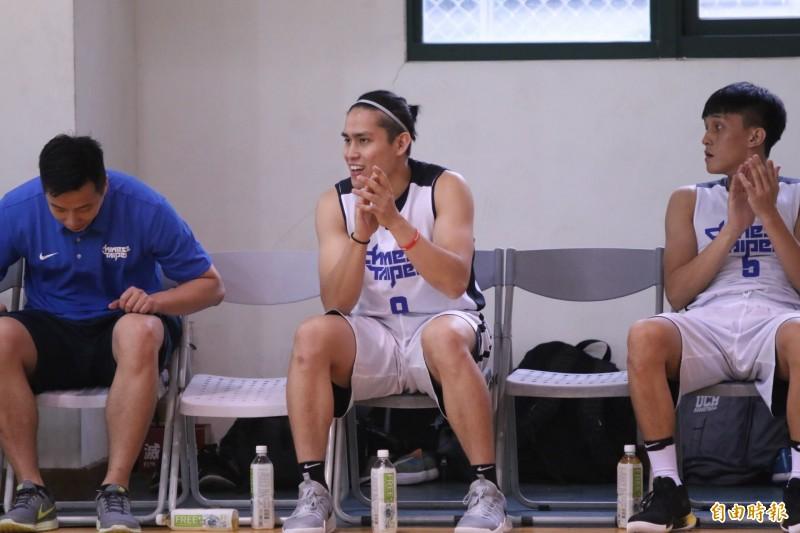 籃球》練球、修課兩頭燒 旅美好手陳盈駿回來了!