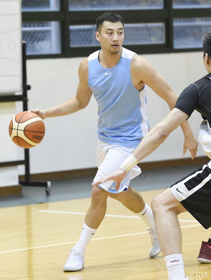 瓊斯盃》台灣藍、白二隊 準備迎接前NBA球員與8外隊挑戰