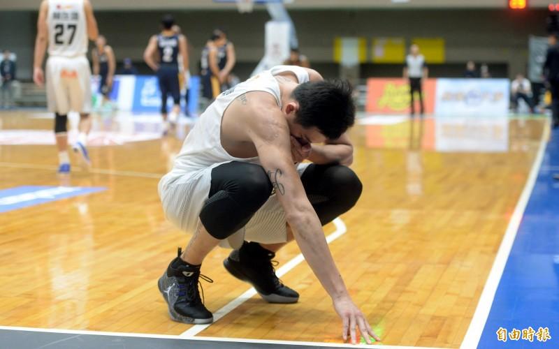 籃球》當國手被當傻瓜、砲灰 吳岱豪沮喪想退出國家隊
