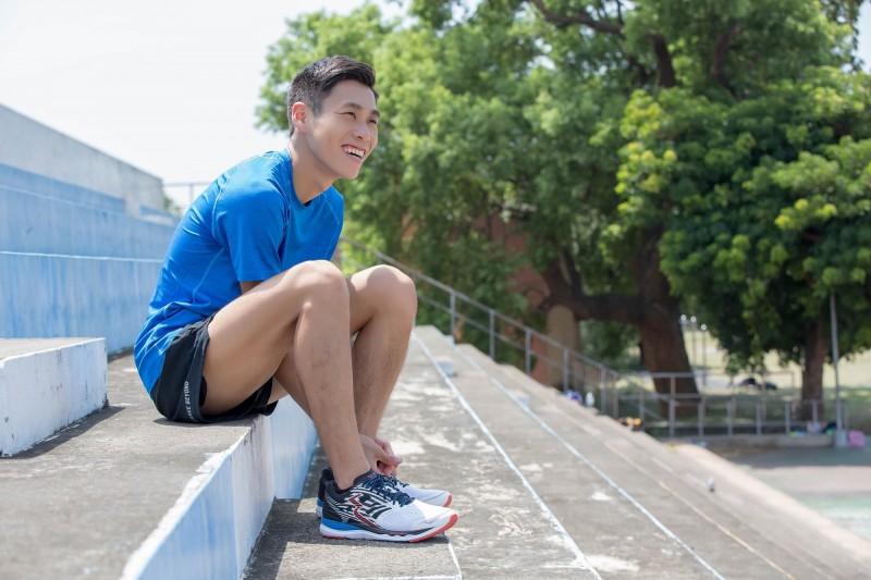 361°運動鞋奪美國雜誌大賞 明年金門馬贊助選手服