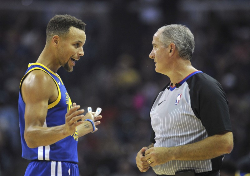 NBA》柯瑞怒丟牙套被趕出場 勇士又踢鐵板不敵灰熊