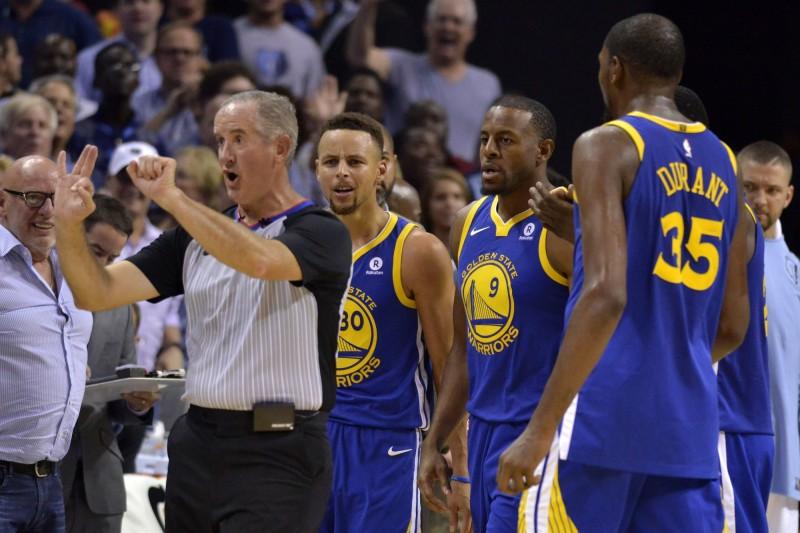 NBA》對觀眾偷比中指?杜蘭特:錯!是無名指(影音)