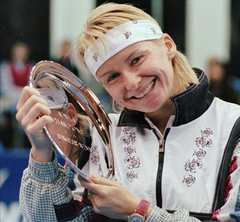 網球》前溫網冠軍諾弗娜因癌離世 享年49歲