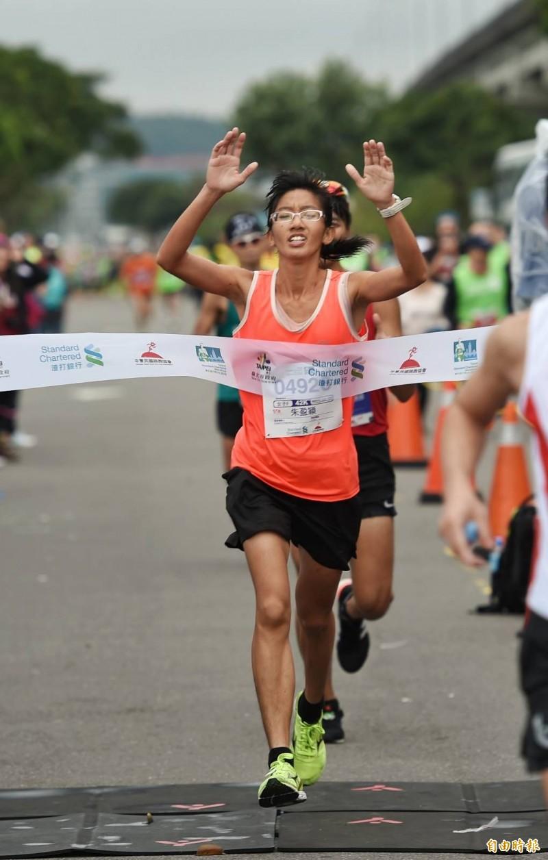 路跑》每天跑半馬「通勤」 日本上班族渣打馬拉松二連霸