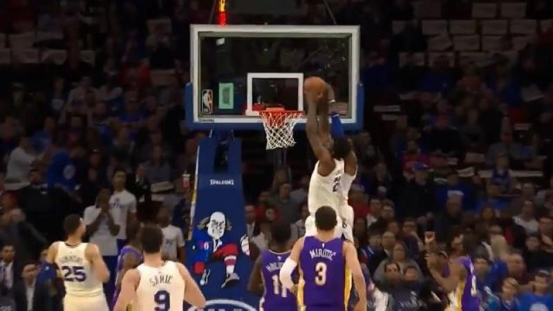 NBA》我們準備要飛!恩比德搶隊友球空中接力爆扣(影音)