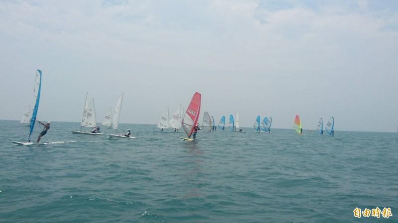 選拔參加亞錦賽!大鵬灣風帆橫渡小琉球將同場和國手競技