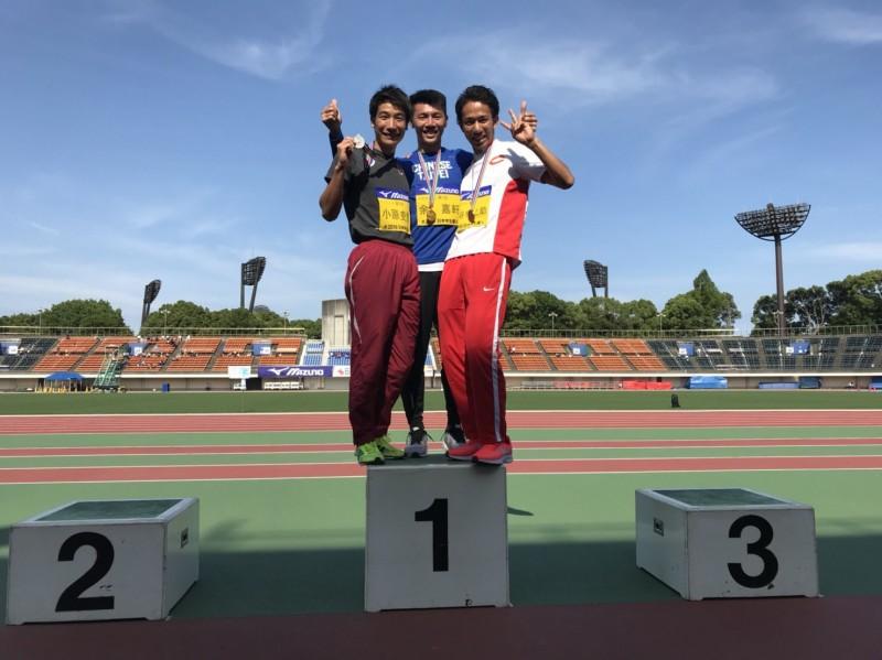 田徑》「跨欄奶爸」余嘉軒制霸日本 拿400公尺跨欄金牌送老爸