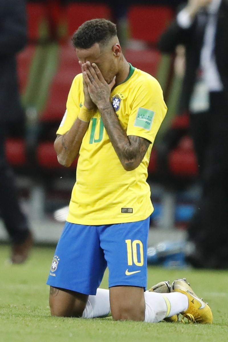 世足賽》奪冠夢又碎!內馬爾掩面跪地、巴西球迷痛哭(圖輯)