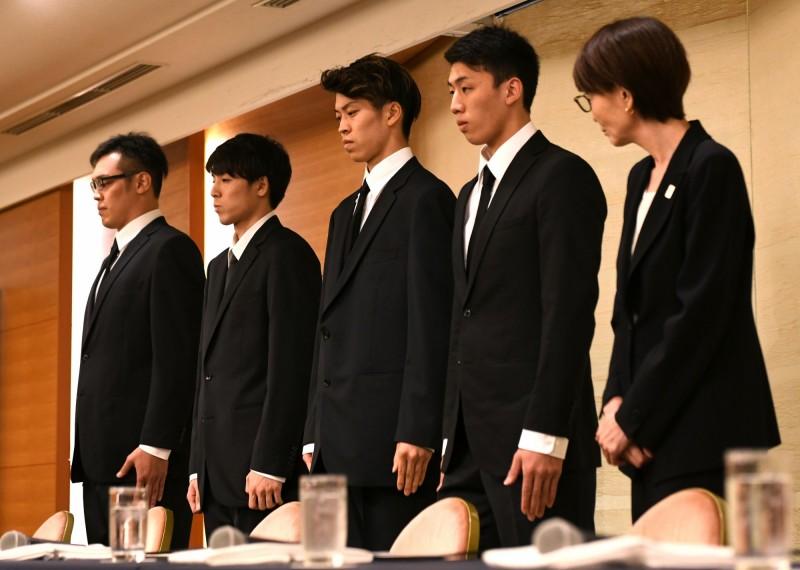 亞運》日本男籃返國90度鞠躬謝罪 承認買春花費不到1萬日幣