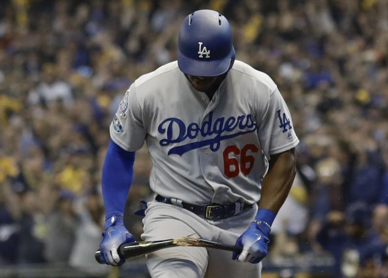 MLB》滿壘大好機會吞K 普伊格氣到折斷球棒(影音)