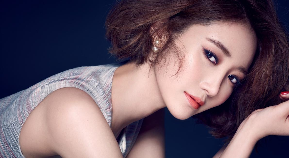伊麗莎>>韓國女神都在瘋!「鎖骨剪」與「粉底刷馬尾」!