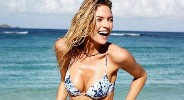 練出迷人S曲線!女人必學「美胸操」胸部迅速挺起來不下垂!