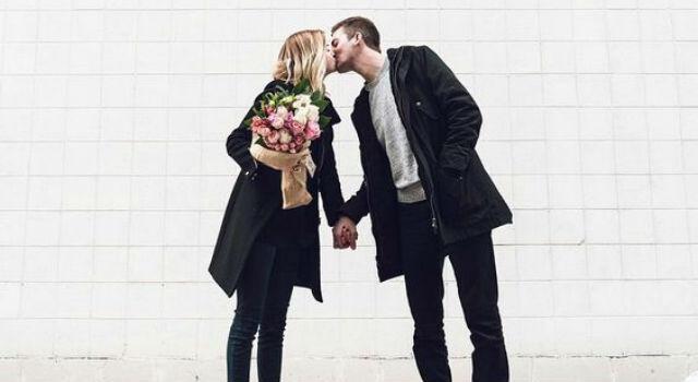 你是真心愛我嗎?6個牽手方式一眼識破他愛你有多深!