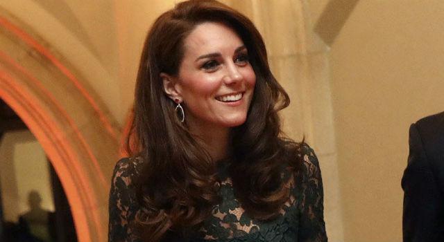 史上最「雷」配色竟被她征服了?凱特王妃驚艷現身宛如女神降臨!