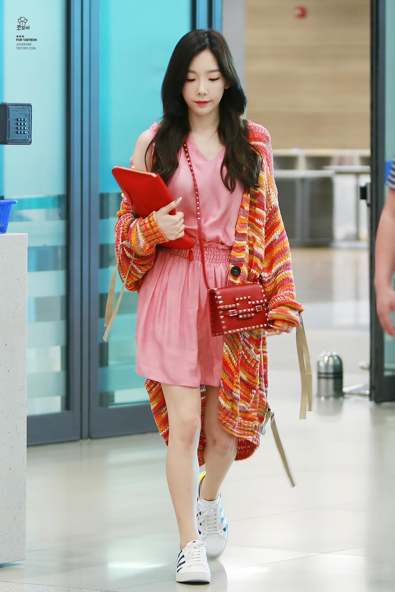 少女時代最「紅」嬌點是她!太妍私服穿搭時髦玩色超吸睛