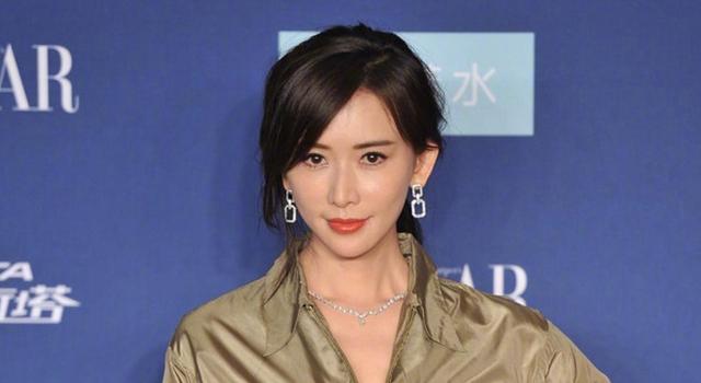 林志玲「有禮貌禮服」自帶氣場!完勝穿錯衣服的中國女星...