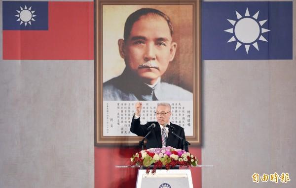吳敦義宣誓就職國民黨主席,北京未依照慣例發賀電,國共關係由熱轉溫,吳敦義會修正出什麼路線,有待觀察。(資料照,記者廖振輝攝)