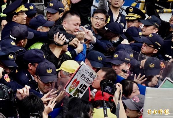 「左傾民粹」只是台灣的局部現象,不能將那些被刻意放大的聲音當作廣大勞動現場勞工的代言。( 資料照,記者簡榮豐攝)
