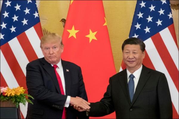 美中貿易戰,不只是貿易戰,而是兩國長期戰略衝突的序幕。新的局面開始了,縱橫商場的川普還會買舊帳嗎?(美聯社檔案照)