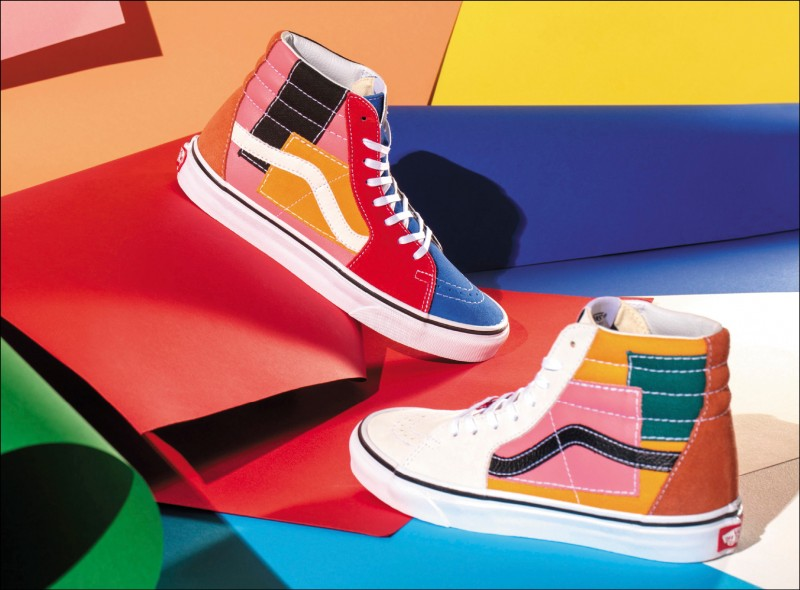Vans Patchwork Pack系列SK8-Hi,2,780元。