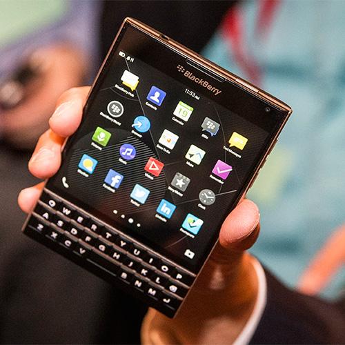 重振在此一舉?BlackBerry 黑莓新機 Passport 明登場
