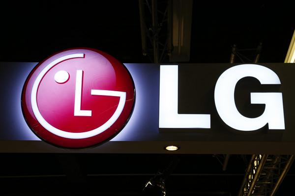 [2015 CES] 衣服分批洗超麻煩?LG「雙胞胎」洗衣機一次解決!