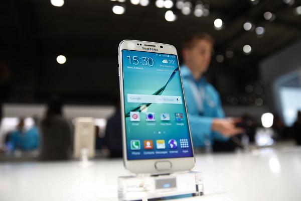還沒上市就出包?Galaxy S6 螢幕爆出邊緣無法正常觸控疑雲