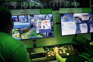 有了鍵盤滑鼠 Xbox 再裝上 Office 就能取代 PC?