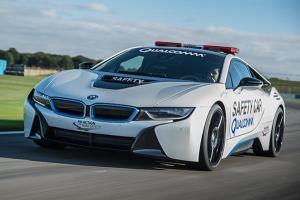 充一小時即可滿電!高通在 BMW i8 電動車上導入無線快充系統