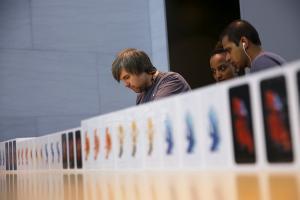 都給 Apple 賺光了! iPhone 獲利再提升 擁手機產業 94% 利潤!