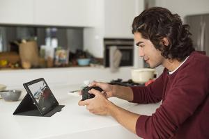 這才叫真正跨平台!Sony 讓手機可以跟 Play Station 主機玩家對話