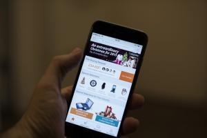 抓包!Apple 偷用戶網路流量還裝死兩年 消費者集體告!
