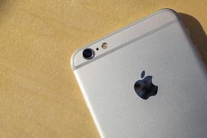 醜天線可望消失?傳 iPhone 7 將採用「新複合金屬」