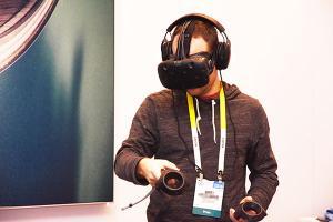 [2016 CES]真實虛擬轉瞬切換!HTC Vive Pre 新版虛擬眼鏡實機體驗