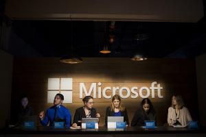 為了 10 億台目標 微軟要販賣機也裝上 Windows 10?