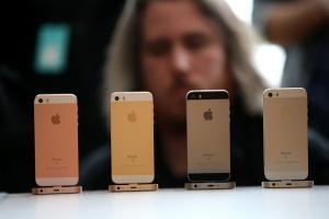 大螢幕手機當道   Apple 為什麼要推出 4 吋 iPhone SE?