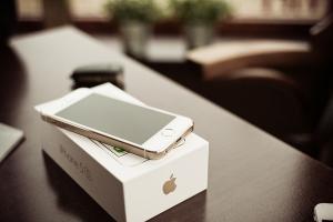 iPhone 5se 將大賣?分析師:銷量能破千萬、營收預估 55 億美元!