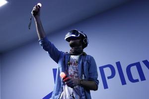 和 Apple 打對台? Sony 宣布 3 月 15 日舉辦 PlayStation VR 發表會!