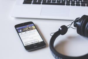 聊天需要背景音樂? Facebook 新按鍵輕鬆完成!