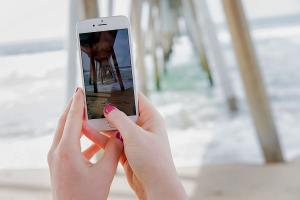 iPhone 7s 要用 OLED 螢幕? Samsung 砸 3 億美元擴廠迎接!