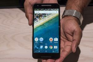 想買 Android 手機?資安專家:只有 2 品牌值得信賴!