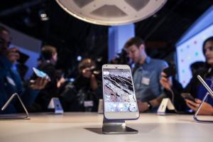 Pixel 手機開箱評測!外媒:Google 一記全壘打!