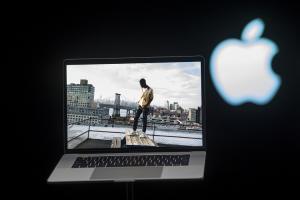 高下難判?Macbook Pro 與 SurfaceBook 的 4 項對決!