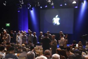 Macbook Pro 江郎才盡?外媒:Microsoft 創新能力已超越 Apple!