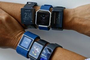 穿戴市場波動?Fitbit 財測大幅下修 2 億美元!