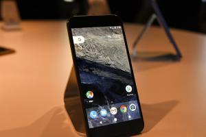 要跟 Apple 比貼心?Google 新增 Pixel 兩大喚醒功能!
