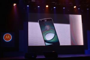 10 倍光學變焦旗艦機!Moto Z 模組化手機正式在台上市!
