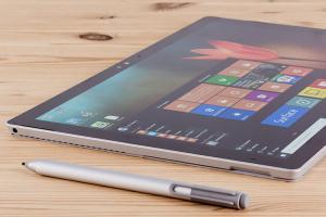 螢幕直奔 4K?傳 Surface Pro 5 效能之外,觸控筆也將革新!