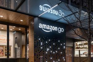 不必排隊等結帳!Amazon Go  未來商店購物讓你挑了就帶走!